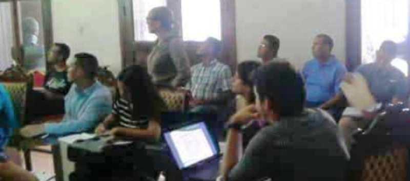 Gobierno de Sucre concretó reunión para asegurar nuevos recursos económicos.