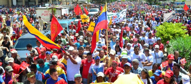 Más de 30 mil sucrenses marcharon contra el ataque cibernético.