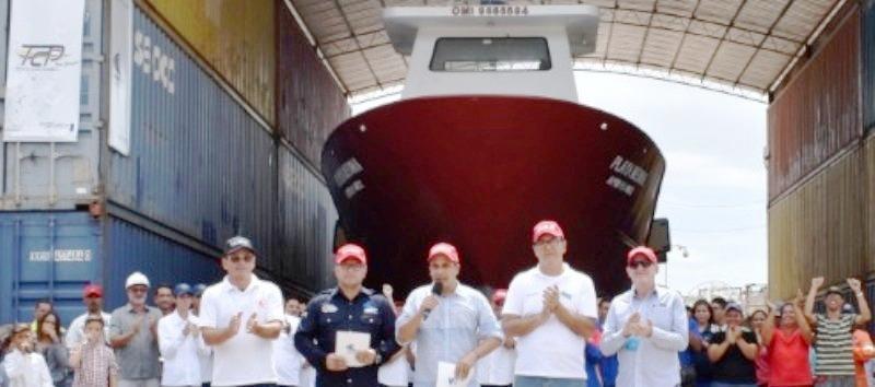 En Sucre se construyen 15 barcos para transporte de pasajeros y carga.