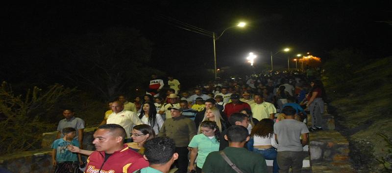 Con el encendido de la Cruz de la paz inició la navidad en el estado Sucre