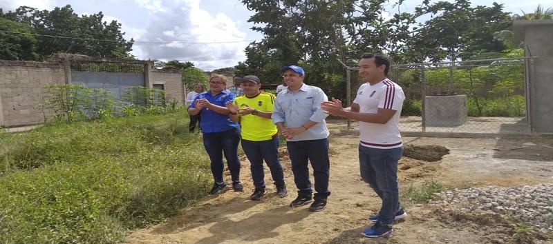 Rojas inspeccionó obra del acueducto de Guaraunos en Benítez
