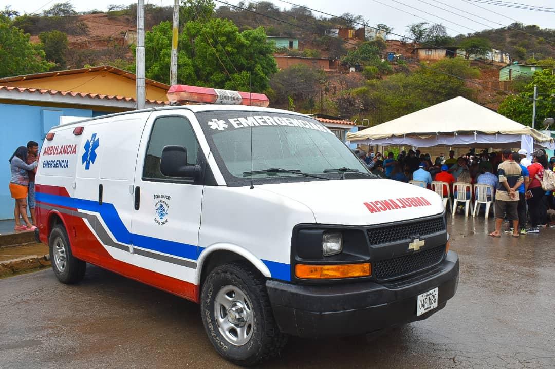 Gobierno de Sucre entrega ambulancia repotenciada al pueblo de Guaca